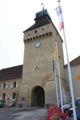 Porte de Ville dite Porte de l'Horloge - Français:   Nozeroy, Jura, Franche-Comté, France