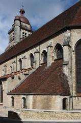 Eglise Saint-Hippolyte - Deutsch: Ehemalige Kollegiatskirche St-Hippolyte in Poligny im Département Jura in der Region Franche-Comté(Frankreich), Ansicht von Südosten