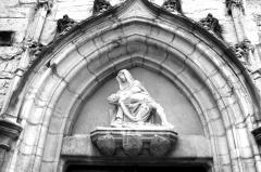 Eglise Saint-Hippolyte - English: Poligny, Jura, France