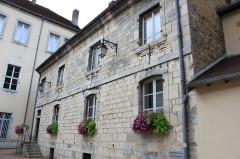 Hôtel de ville, ancien bailliage et anciennes prisons - English: Poligny, Jura, France