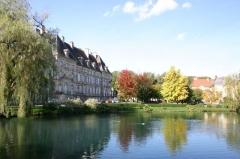 Ancienne abbaye de Lure ou ancienne abbaye de Murbach -  Le lac de la Font et la Sous‑Préfecture de Lure
