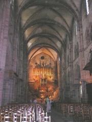 Ancienne abbaye Saint-Colomban - Deutsch: Luxeuil-les-Bains,_St-Colomban, Inneres mit Orgelprospekt