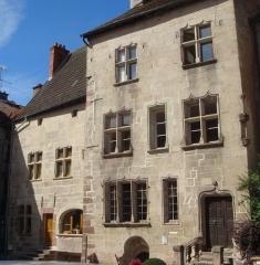 Maison dite Espagnole - English: Photograph taken in Luxeuil-les-Bains, place St-Pierre on 2010-09-18