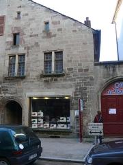 Maison du 15s - English: A 15th c. house in Luxeuil-les-Bains, Haute-Saône, France