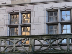 Maison dite du Cardinal Jouffroy - English: Balcony and windows of the