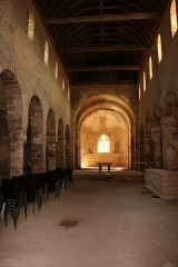Ancienne église prieurale Sainte-Marie-Madeleine -  Marast Eglise Sainte Marie Madeleine vue intérieure  Nef