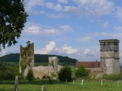 Château - English: Castle of Oricourt - Haute-Saône - France from the south-west