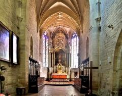 Eglise Saint-Hilaire - Chœur de l'église saint-Hilaire de Pesmes. Haute-Saône