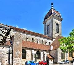 Eglise Saint-Hilaire - Eglise Saint Hilaire à Pesmes. Haute-Saône