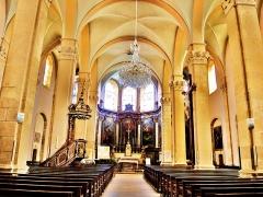 Eglise Saint-Martin - Français:   Nef de l\'église Saint-Martin.