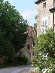 Maison du 15e siècle, dite Hôtel Thomassin - Français:   Hôtel Thomassin (Vesoul, Haute-Saône): bâtiment sur cour et écurie