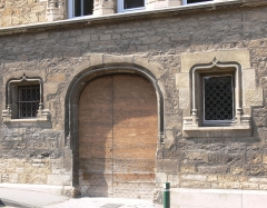 Maison du 15e siècle, dite Hôtel Thomassin - Français:   Hôtel Thomassin à Vesoul (Haute-Saône, France): porte d\'entrée