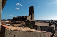 Eglise Saint-Vincent - English: Carcassonne - Rue de la Liberté - View SE on Église Saint-Vincent