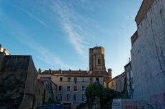 Eglise Saint-Vincent - English: Carcassonne - Rue de la Liberté - View South on Saint-Vincent Church