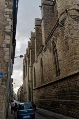 Eglise Saint-Vincent - English: Carcassonne - Rue du 4 Septembre - View East along Église Saint-Vincent (13th Century Languedoc Gothic)