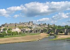Pont-Vieux - Lëtzebuergesch: D'Aude zu Carcassonne