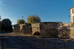 Pont-Vieux - English: Carcassonne - Place Gaston Jourdanne - View WNW on Pont Vieux / Old Bridge 1315 - 1320
