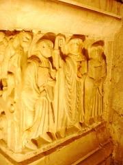 Ancienne abbaye Saint-Hilaire - Abbaye de Saint-Hilaire, Aude (11), Sarcophage de Saint-Sernin côté droit