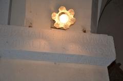 Eglise Sainte-Anne, située dans le village - Français:   Inscription du 17 mai 1646 portant les noms de consuls située à l\'intérieur de l\'église de La Tourette