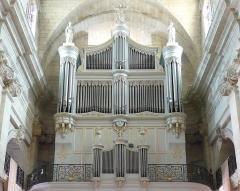 Eglise Notre-Dame-des-Pommiers - Français:   Façade monumentale, le buffet est classé monument historique depuis le 29-12-83, la partie instrumentale depuis le 18-12-1973
