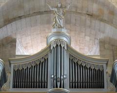 Eglise Notre-Dame-des-Pommiers - Français:   Au second étage, en avant les 2 sommiers du positif intérieur et en arrière dans une boîte expressive les 2 du récit