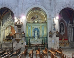 Eglise Saint-Paul, ancienne église des Cordeliers - Français:   Chapelle Notre-Dame-de-Grâce flanquée à gauche de la chapelle St Théophile, à droite chapelle St Louis,roi de France.