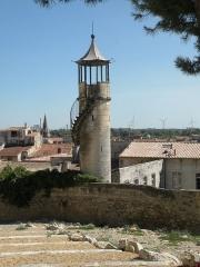 Eglise Saint-Paul, ancienne église des Cordeliers - Français:   tourelle Château de Beaucaire (Gard)
