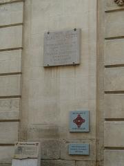 Maison - Français:   21 rue de la république