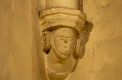 Eglise Saint-Saturnin - English:  Corbel on the chapel of the Blessed Virgin, on left.
