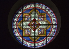 Eglise Saint-Saturnin - English:  Rose stained glass window of the nave.