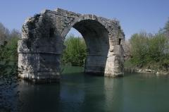 Via Domitia : Pont d'Ambrussum -  Remains of a Roman bridge, named Pont Ambroix..