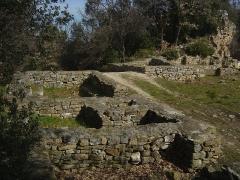 Oppidum préromain et gallo-romain - Français:   Village médiéval du Xème siècle sur l\'oppidum Saint-Vincent à Gaujac (30)