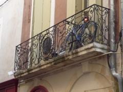 Maison -  Historical house, Rue de l'Etoile (Star Street) 23, Nîmes, Gard, France  (wrought iron balcony)  Maison historique, 23 Rue de l'Etoile, Nîmes, Gard, France (balcon en fer forgé)