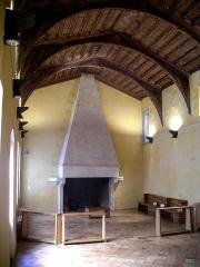 Hôtel de Piolenc, dit Maison des Chevaliers - Français:   cour royale de justice de la maison des chevaliers à Pont-Saint-Esprit, Gard, France
