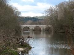 Pont Charles-Martel sur la Cèze - English: La Roque-sur-Cèze - Charles-Martel bridge - downward view