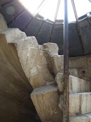 Ancienne abbaye de Saint-Gilles -  Vis St Gilles ,détail de la maçonnerie.