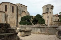 Ancienne abbaye de Saint-Gilles - Català: Església de l'abadia de Sant Geli. Ruïnes de la capçalera antiga. Gard, França