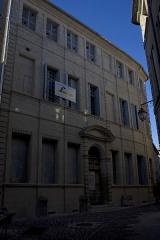 Hôtel Chambon de la Tour - English:  Cambon de La Tour mansion.