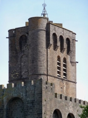 Ancienne cathédrale Saint-Etienne - Clocher (donjon) de l'ancienne cathédrale Saint-Étienne d'Agde (Hérault, France)