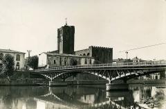 Ancienne cathédrale Saint-Etienne - ancien pont de fer à Agde (Hérault, France)