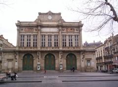 Théâtre - Français:   Vue de la façade du théâtre de Béziers (Hérault)