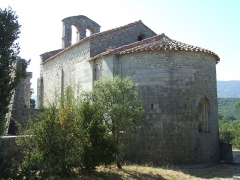 Chapelle Saint-Etienne d'Issensac - English: Chapelle Saint-Etienne d'Issensac (commune de Brissac, Hérault, Languedoc-Roussillon, France): chevet.