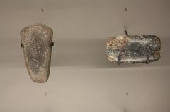 Hôtel de Fleury (Musée Dardé) - Marteaux de métallurgistes (3 en micaschiste probable, 4 en schiste serpentineux). Néolithique final, Chalcolithique. Grotte de Fontanilles, Saint-Étienne de Gourgas.