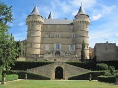 Domaine - Français:   Château de Margon - Façade vue du jardin
