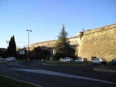 Citadelle -  Mur sud de la Citadelle de Montpellier (France). Photographié par User:Sebjarod, décembre 2004. Licence: domaine public.