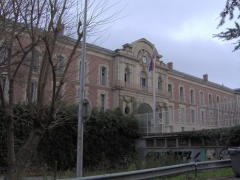 Citadelle - English: The en:Lycée Joffre in downtown en:Montpellier. As viewed from the Auguste Comte alley between the lycée and the Esplanade de Charles de Gaulle