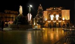 Fontaine des Trois Grâces -  La place de la Comédie (Montpellier, Hérault) illuminée à Noël - Photo personnelle.