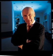 Hôtel Haguenot - English: Nobel laureate Dr. James D. Watson, Chancellor, Cold Spring Harbor Laboratory. These images are freely available and may be used without special permission.