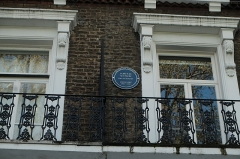 Hôtel Haguenot - English: A plaque at 18 Vincent Square in the City of Westminster, London, showing a blue plaque for the scientist James D. Watson. The plaque reads