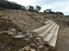 Oppidum pré-romain ou site archéologique de l'agglomération antique du Castellas - English: Murviel. Oppidum of Altimurium. Monumental Square. Western entrance.